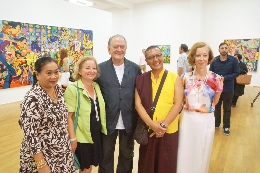 v.l.n.r. Vilai Permit-Gudmundsson, Sophie Laszlo, Erró, buddhistischer Mönch, Prof. Dr. Beate Reifenscheid